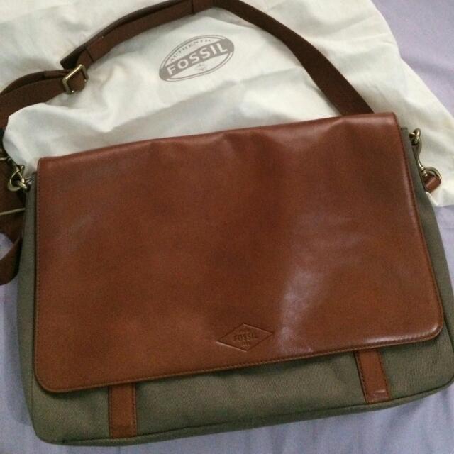 Fossil Bag Man Postman