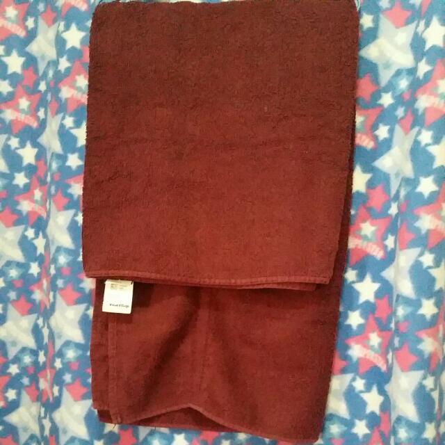 Maroon Towel (XL)