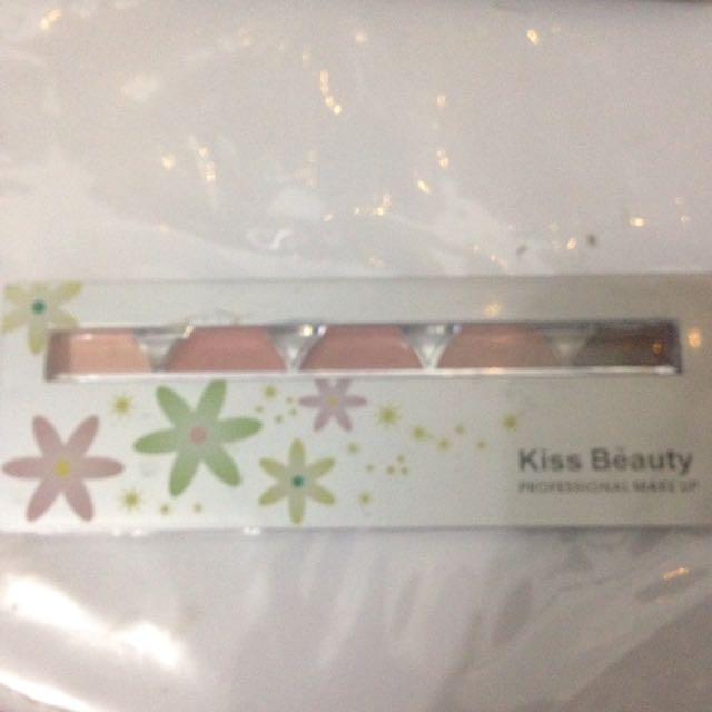 Kiss Beauty Contour