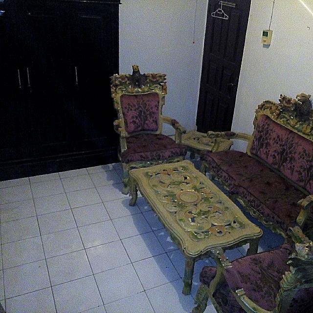 Kursi Garuda & Lemari Pakaian (Bonus Kursi Tamu & Sofa)