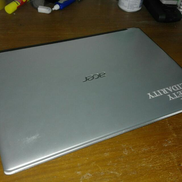 Laptop Acer Aspire V5-471G
