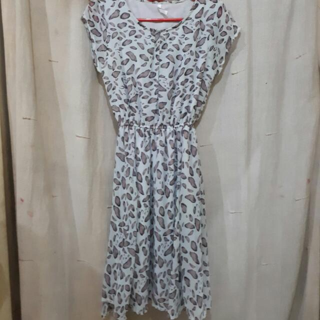 #NEWUPLOAD Leaf Cream Dress