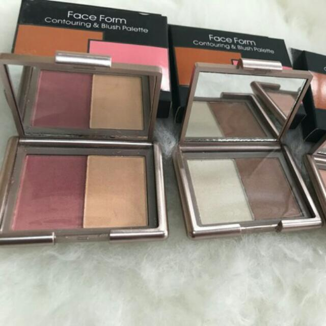 Naked 6 Face Form Contouring And Blush Pallete