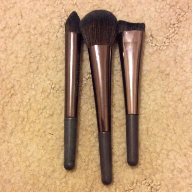 Nude By Nature Brushes