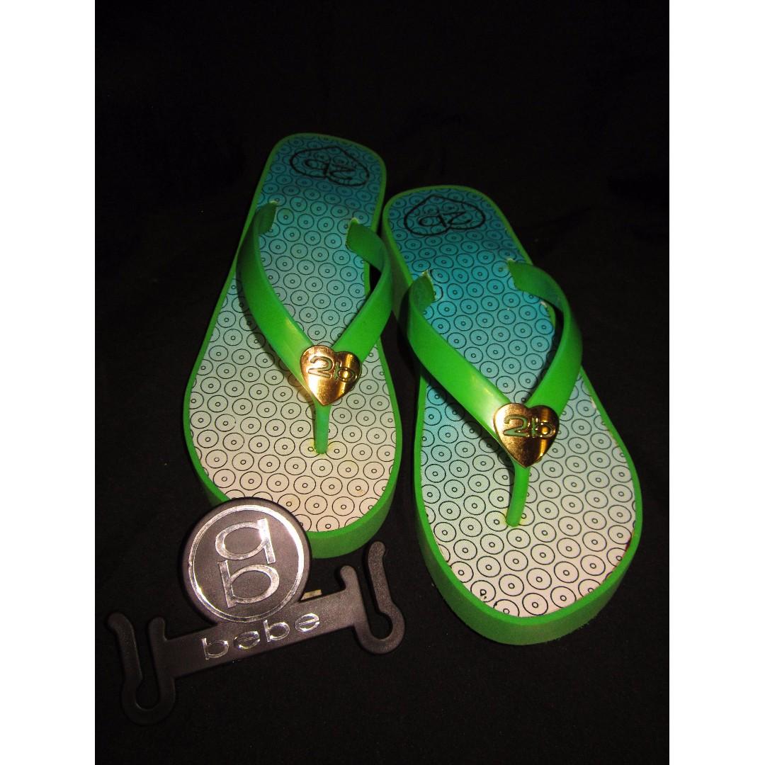 NWB BEBE Green Low Wedge Slippers