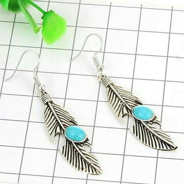 Oval Diamond Feather Earrings