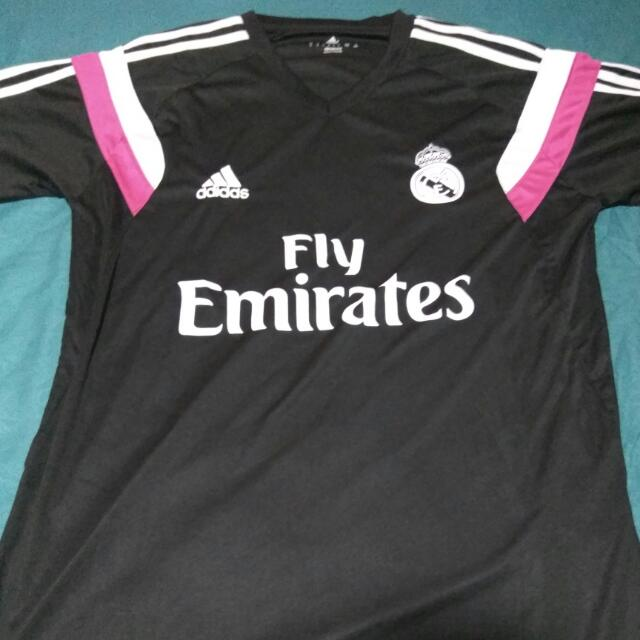 low priced 479ab 1c977 Real Madrid Training Kit, Sports, Sports Apparel on Carousell