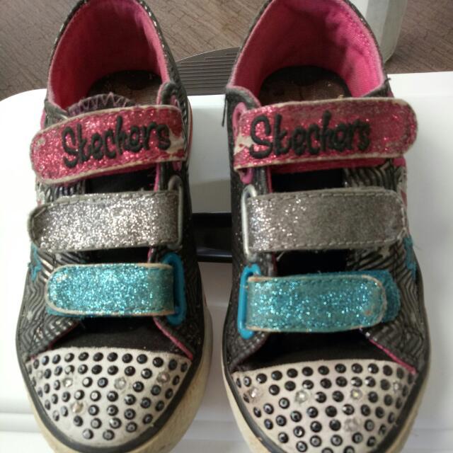 Sepatu Skechers Size 28