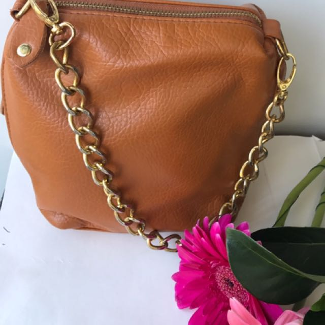 Small Bag With Gold Chain