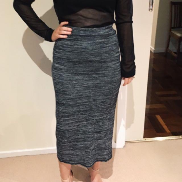 Sportgirl Size 10 Grey Mid Skirt
