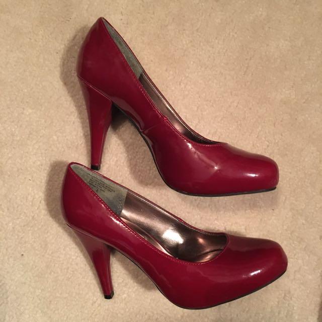 Steve Madden Red Heels Size: 8