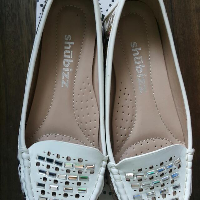 White Shubiz Loafers