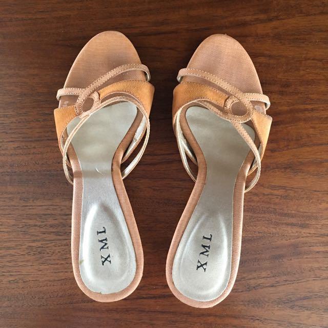 XML Sandals