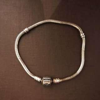 Silver Pandora Bracelet With Clasp