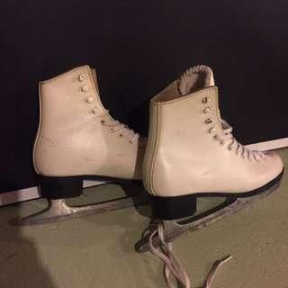 Skates Size 6 (Women)