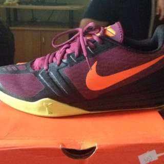 Nike Shoes Size 10 Black Mamba 2x Lang Used Selling Price 3k Black Nike Selling Price 1k -800 Same As The White Shoes