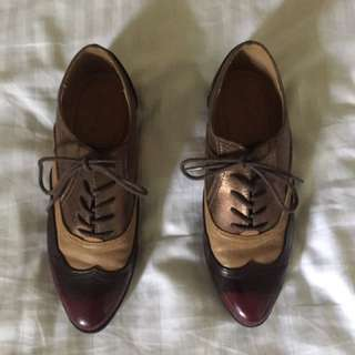 Qupid Brogues - Red, Gold and Tan