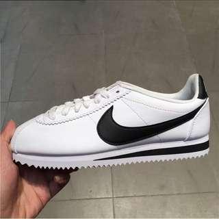 Nike 阿甘鞋 黑白配色