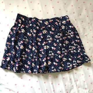 🚚 #兩百元短褲 深藍小碎花褲裙