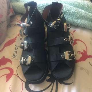 Jonnie Sandals
