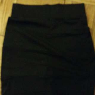 Black Pencil Skirt, Size 6, Stretchy