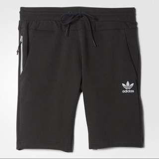 愛迪達 Adidas 三葉草 短棉褲 AY8419