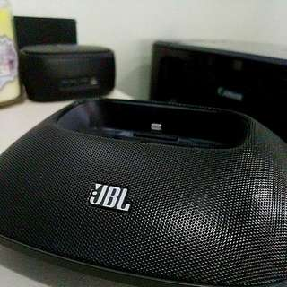 JBL OnBeat Micro Speaker Dock with Lightning Cable (iPhone 5/5S/6)