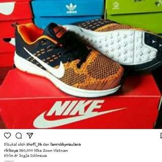 Nike Zoom Ori Vietnam Sz 43 (New)