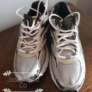 ASICS Grey And Yellow Runners Size 9 #EOFYSALE