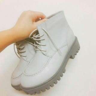 (全新)灰色短靴