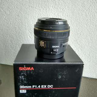 30mm 1.4 Sigma for Canon