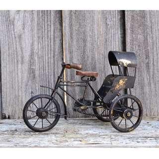 Decorative Black & Gold Metal Rickshaw Model
