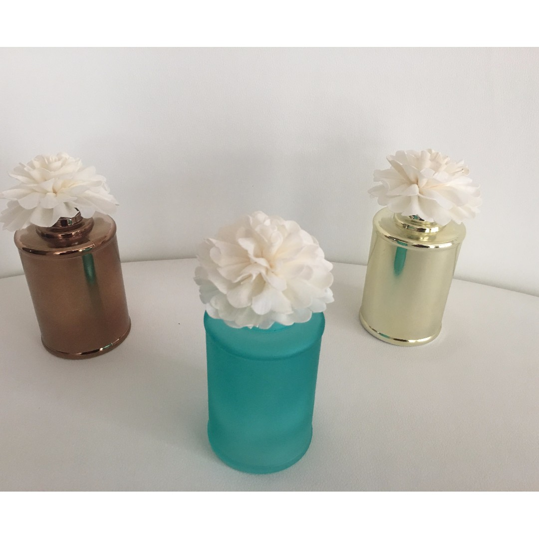 200ml FLOWER SCENTED DIFFUSERS - VARIOUS COLOURS