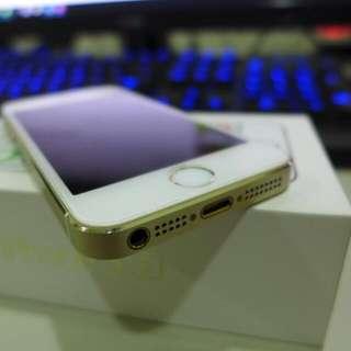 二手 Iphone 5s 32G , 機身無傷 螢幕黃斑