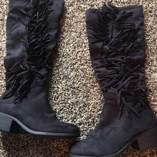 Black Frill Boots