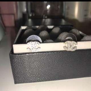 Chanel Classic Earring (matte Silver )