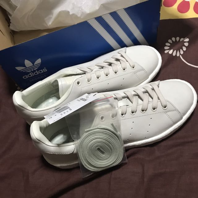 quality design 7a694 9268a Adidas Stan Smith Boost