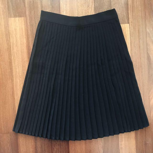 American Apparel Pleaded Skirt Size M