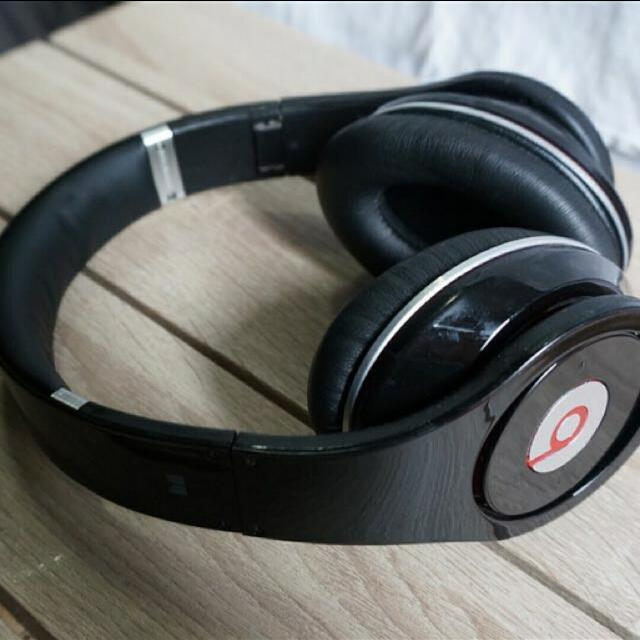 BEATS By DRE Headphone Monster Edition