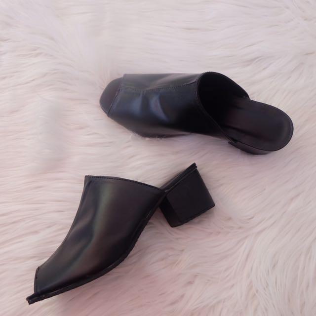 Black Sliders (heels)