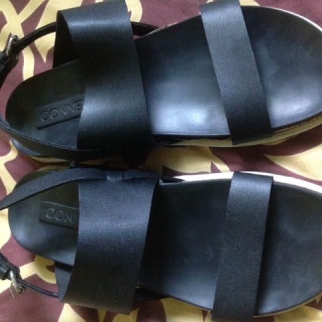 Connexion Sepatu Sendal
