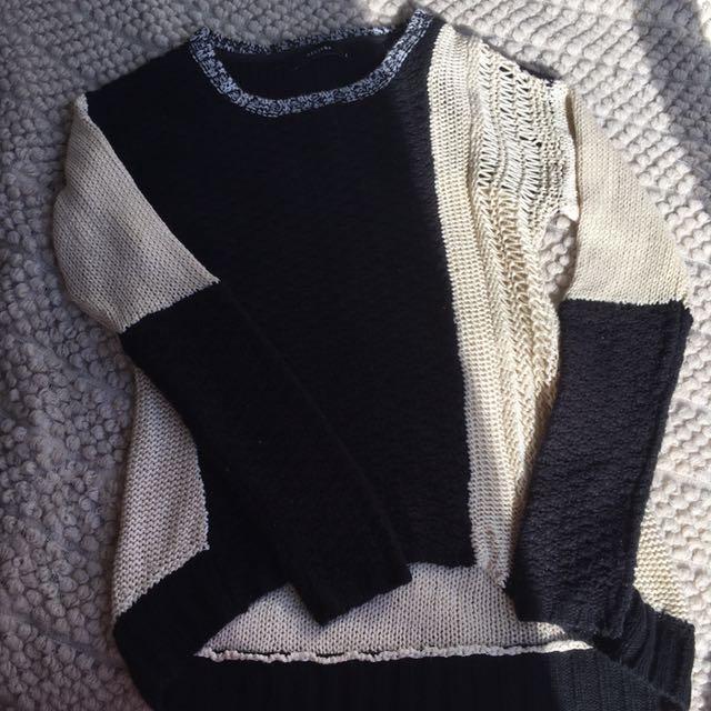 Decjuba Sweater Small