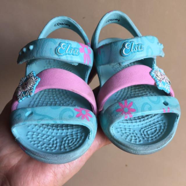 Elsa Crocs Size 4