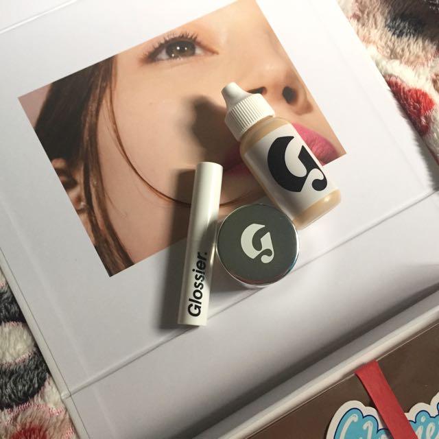 GLOSSIER Skin Tint, Concealer, Generation G