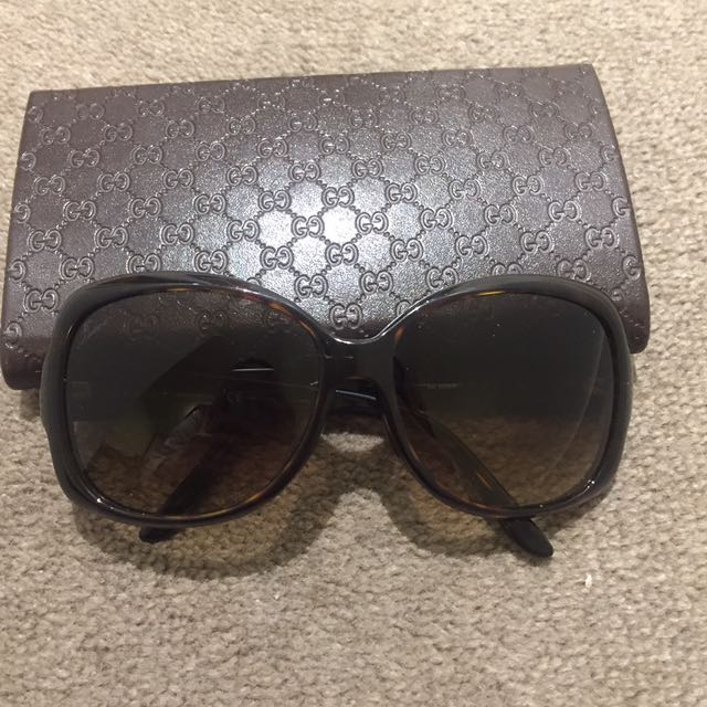 [REDUCED] Gucci Logo Sunglasses