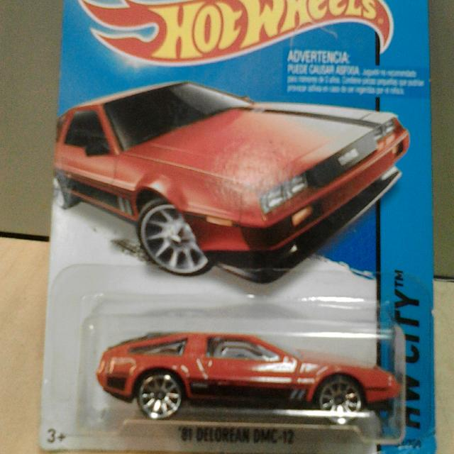 Hot Wheels '81 DELOREAN DMC-12 Red Merah