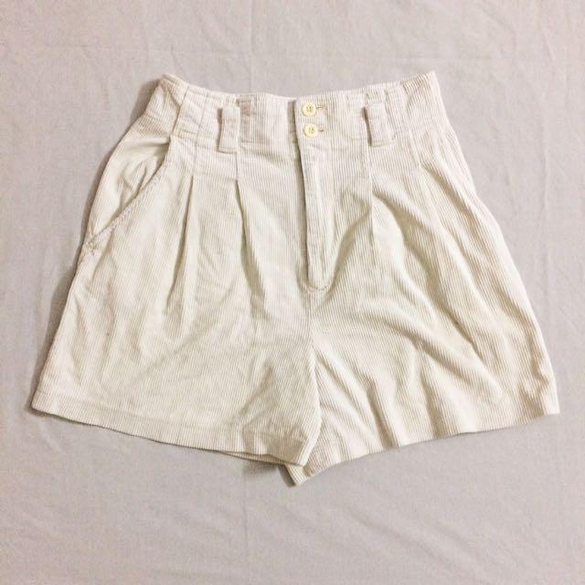 Ivory Conduray Shortpants
