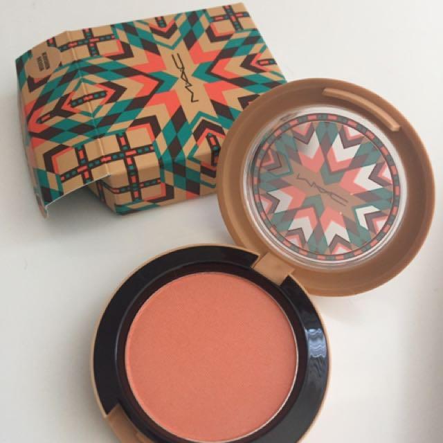 Mac powder blush - modern mandarin