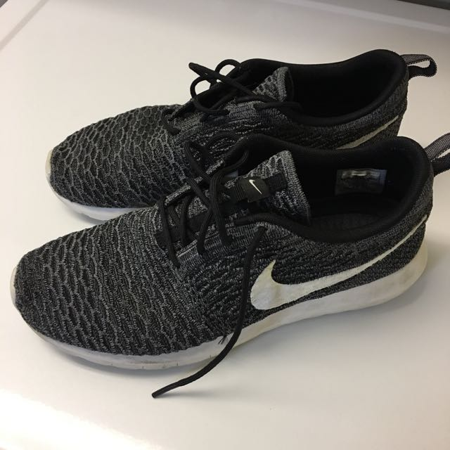 Men's Nike Fly Knit - Size 10