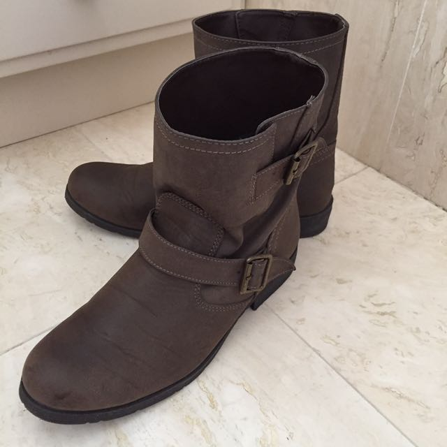 Rubi Brown Pleather Ankle Boots Size 41